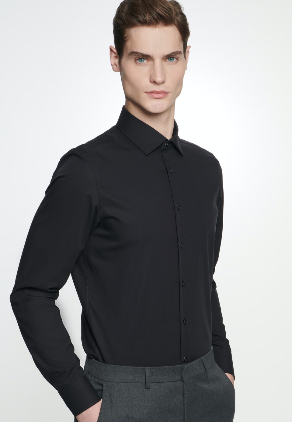 Non-iron Poplin Business Shirt in X-Slim with Kent-Collar in Black |  Seidensticker Onlineshop