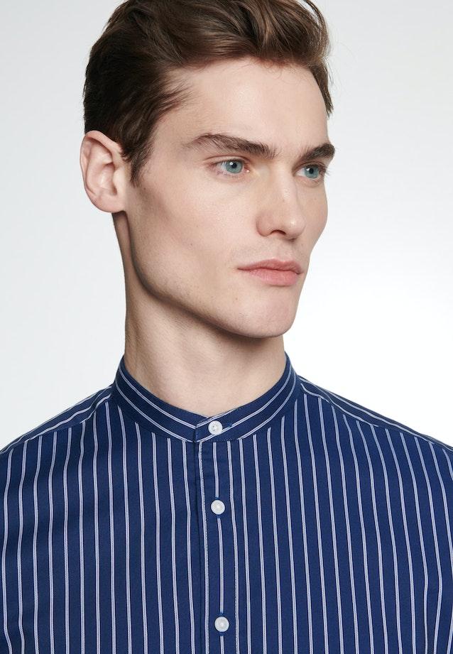 Easy-iron Twill Business Shirt in Shaped with Stand-Up Collar in Dark blue |  Seidensticker Onlineshop