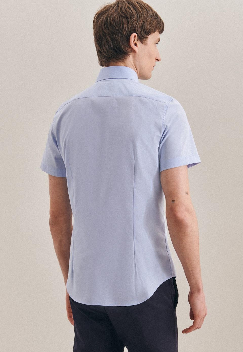 Bügelfreies Fil a fil Kurzarm Business Hemd in Slim mit Kentkragen in Hellblau    Seidensticker Onlineshop