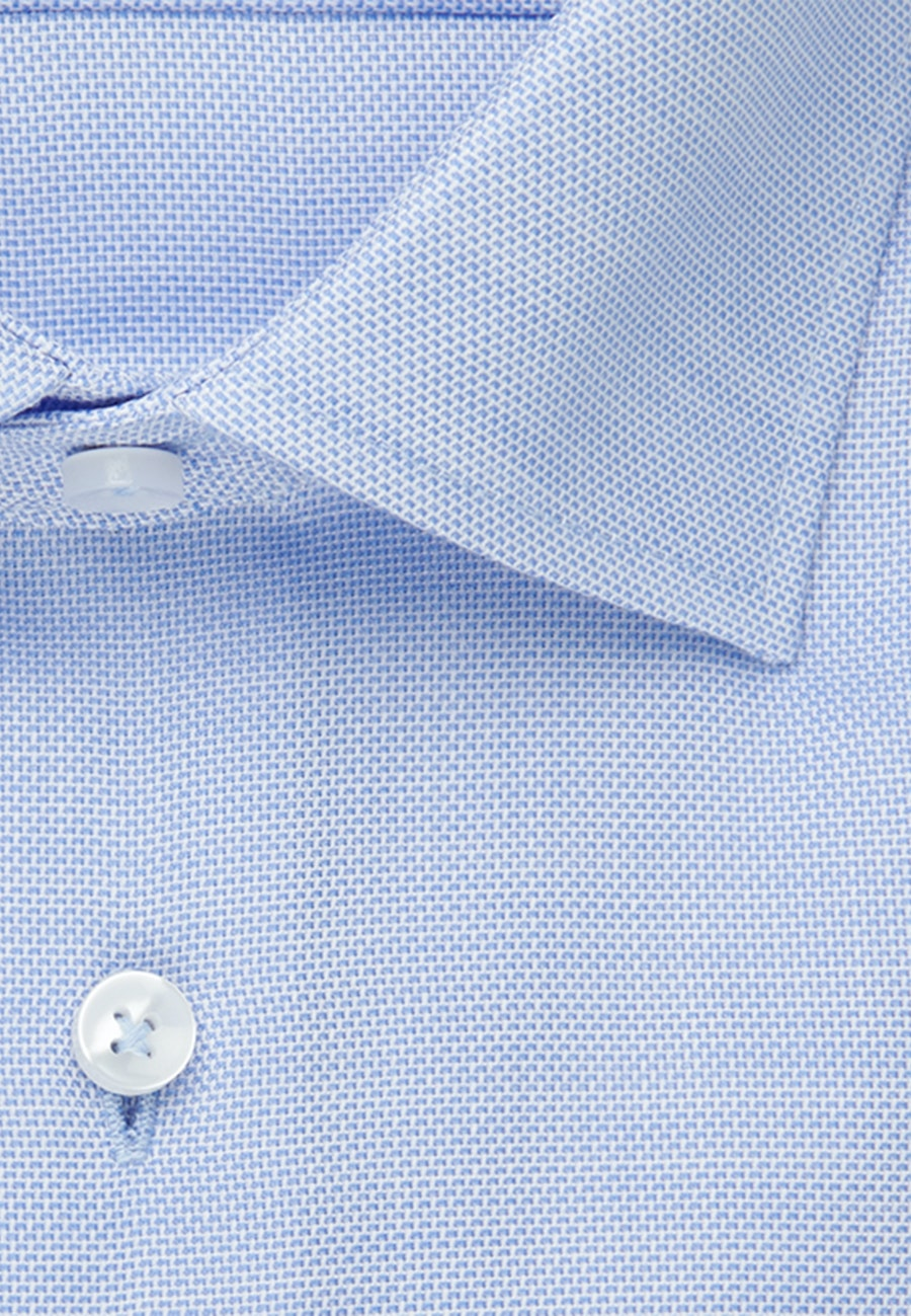 Bügelfreies Struktur Business Hemd in Shaped mit Kentkragen und extra langem Arm in Hellblau |  Seidensticker Onlineshop