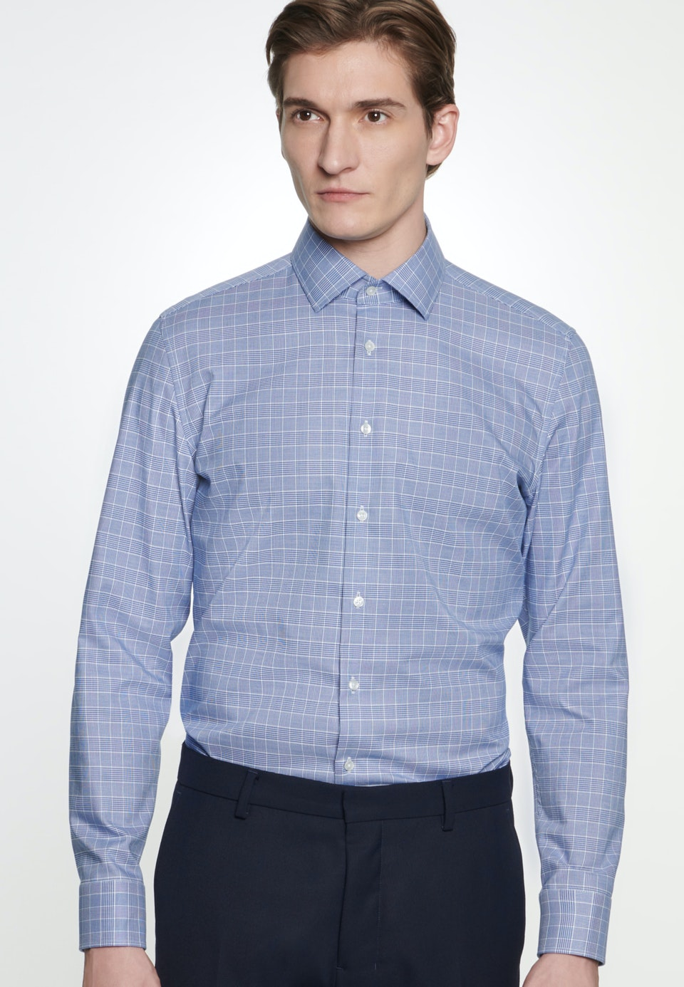Bügelleichtes Glencheck Business Hemd in Shaped mit Kentkragen in Mittelblau    Seidensticker Onlineshop