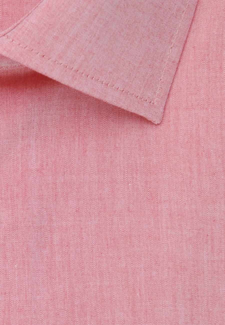 Bügelfreies Chambray Business Hemd in Shaped mit Kentkragen und extra langem Arm in Rot |  Seidensticker Onlineshop
