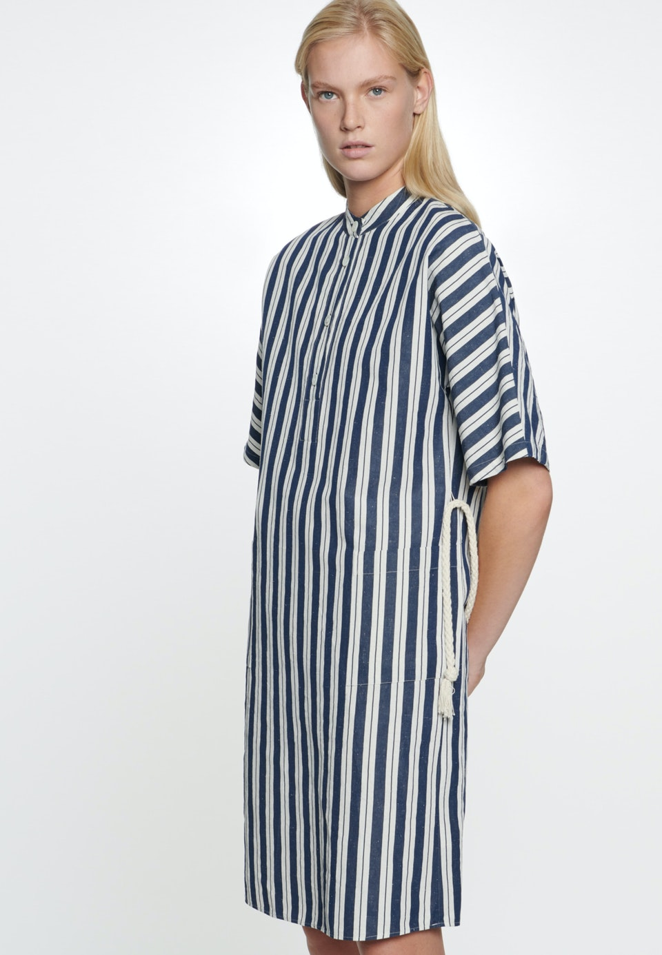 Midi Dress made of silk-linen blend in Dark blue |  Seidensticker Onlineshop