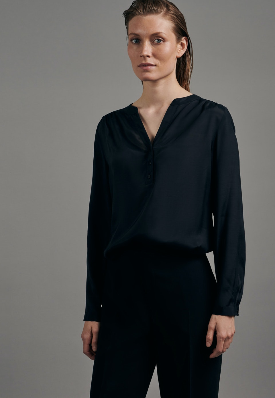 Voile Tunic made of 100% Viscose in Black |  Seidensticker Onlineshop