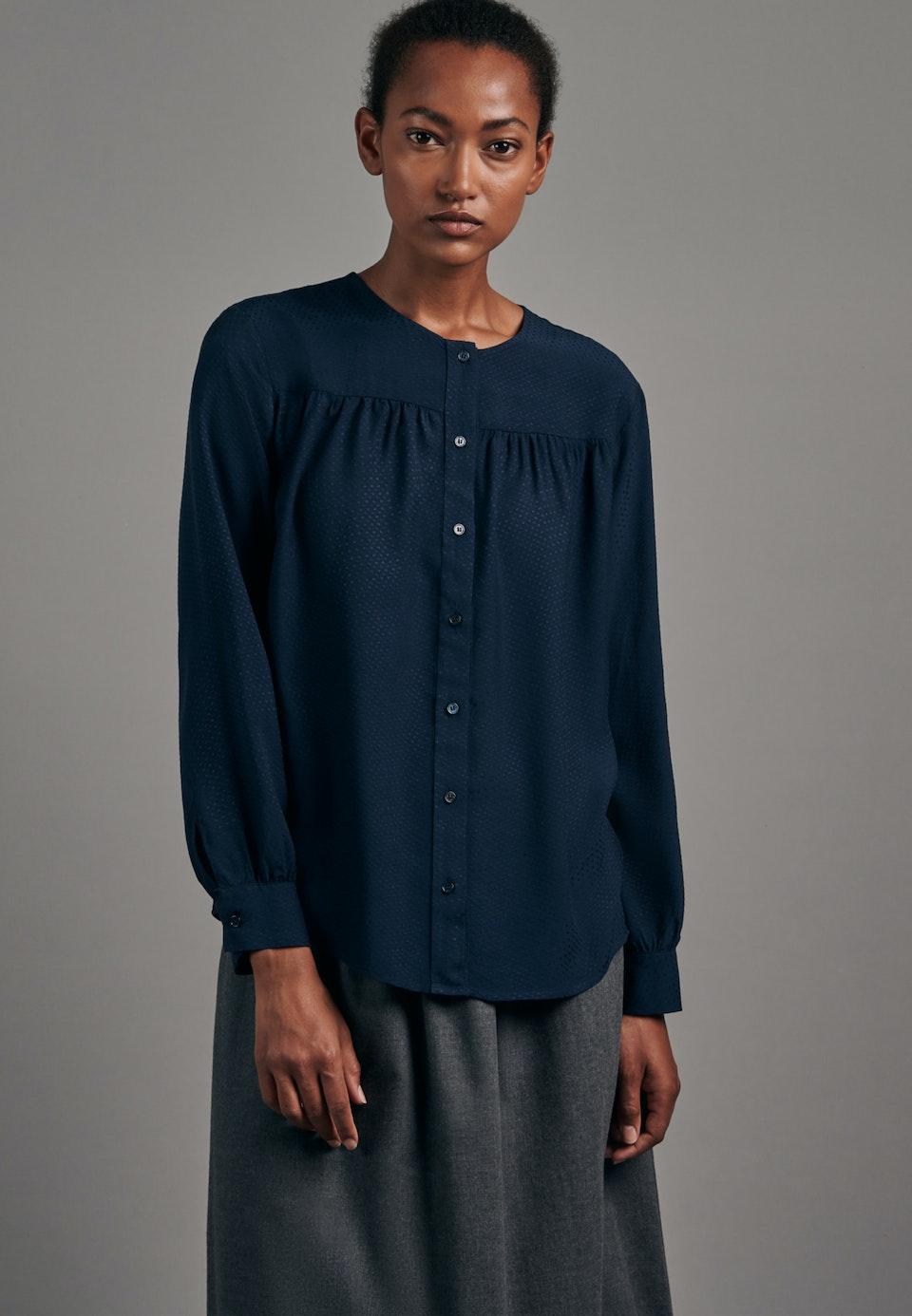 Jacquard Shirtbluse aus 100% Viskose in Dunkelblau |  Seidensticker Onlineshop