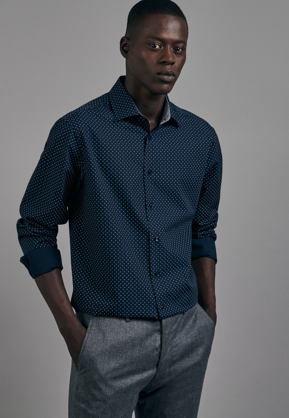 Easy-iron Popeline Business Shirt in Regular with Kent-Collar in Dark blue |  Seidensticker Onlineshop