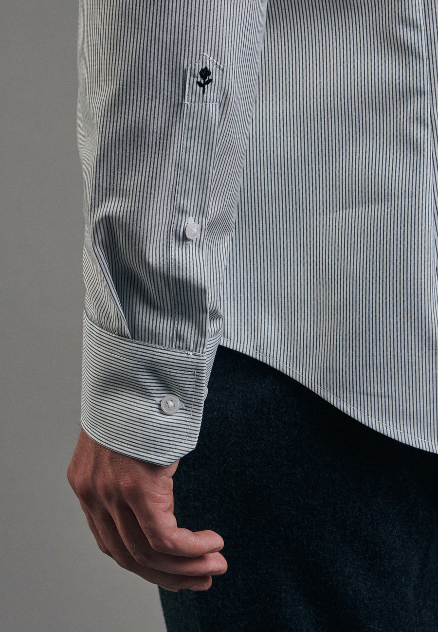 Bügelfreies Popeline Business Hemd in Slim mit Kentkragen in Grün    Seidensticker Onlineshop