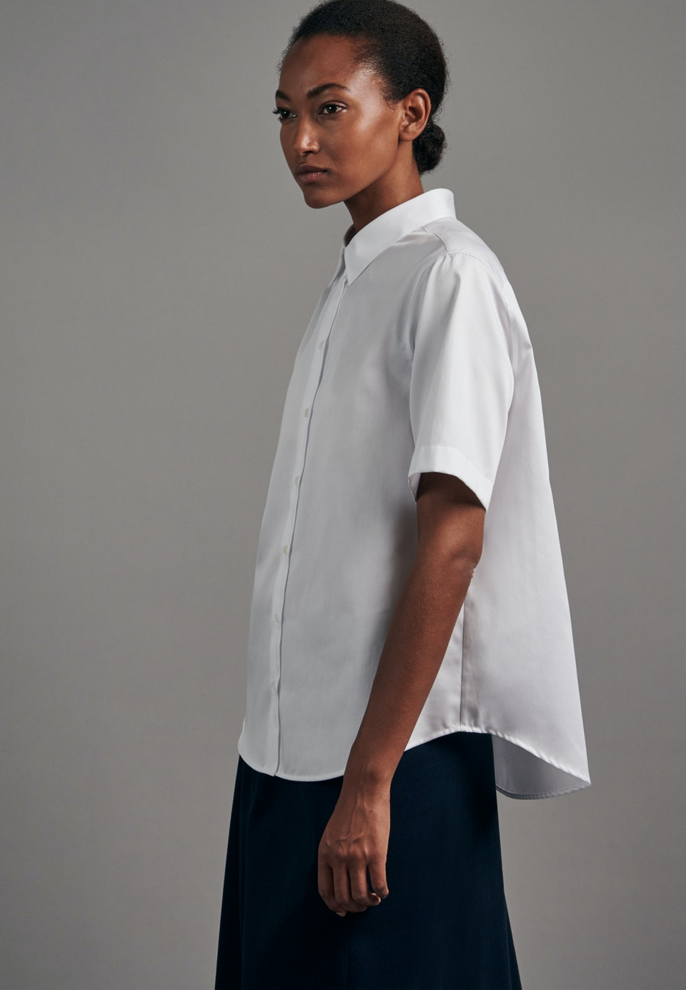 Kurzarm Satin Hemdbluse aus 100% Baumwolle in Weiß |  Seidensticker Onlineshop