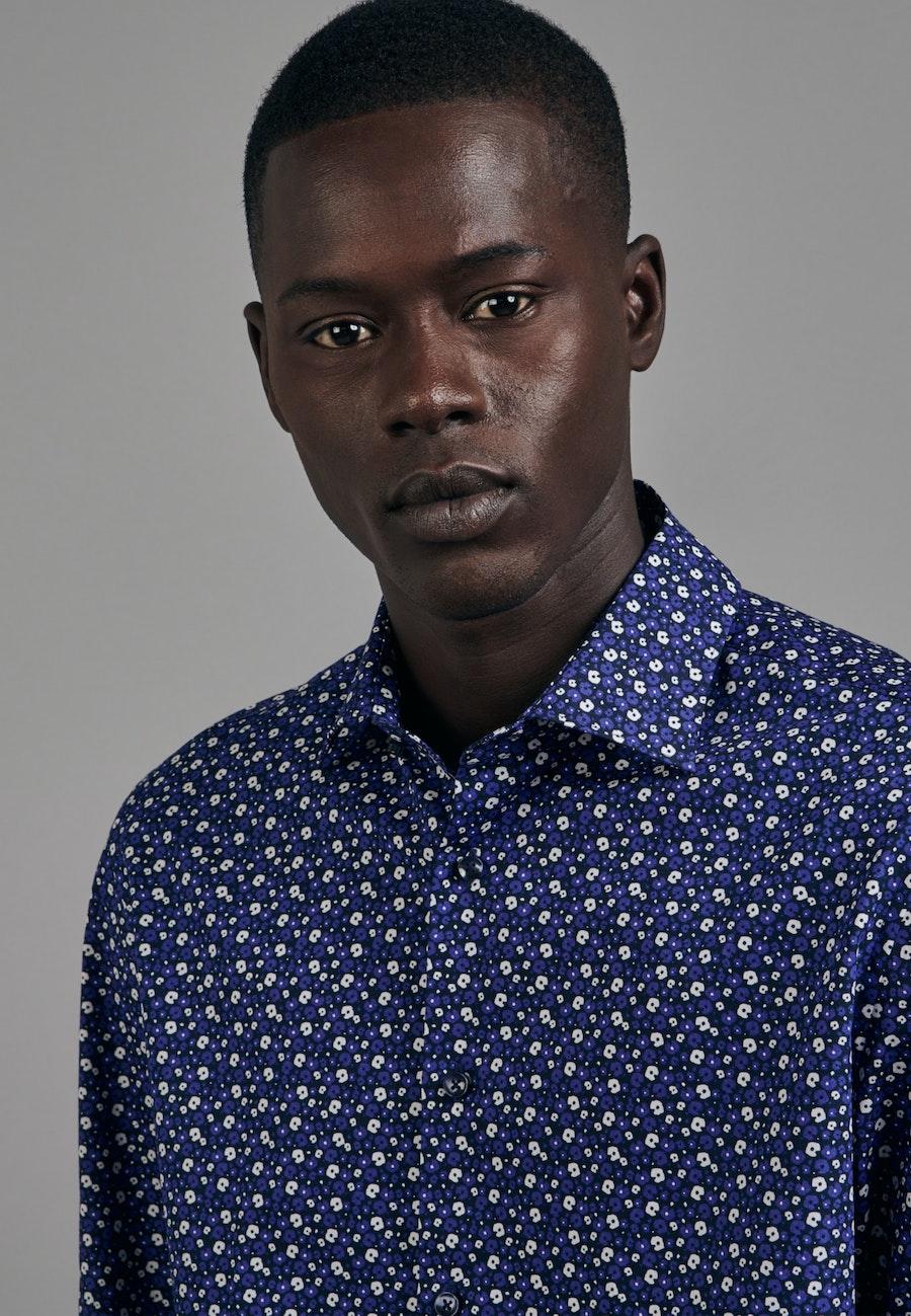 Bügelleichtes Popeline Business Hemd in Shaped mit Kentkragen in Mittelblau    Seidensticker Onlineshop