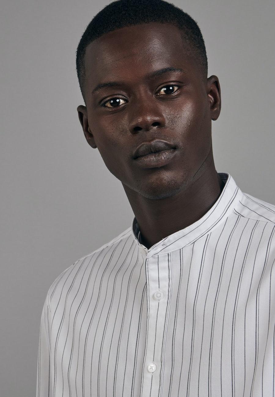 Twill Business Hemd in Shaped mit Stehkragen in Weiß |  Seidensticker Onlineshop
