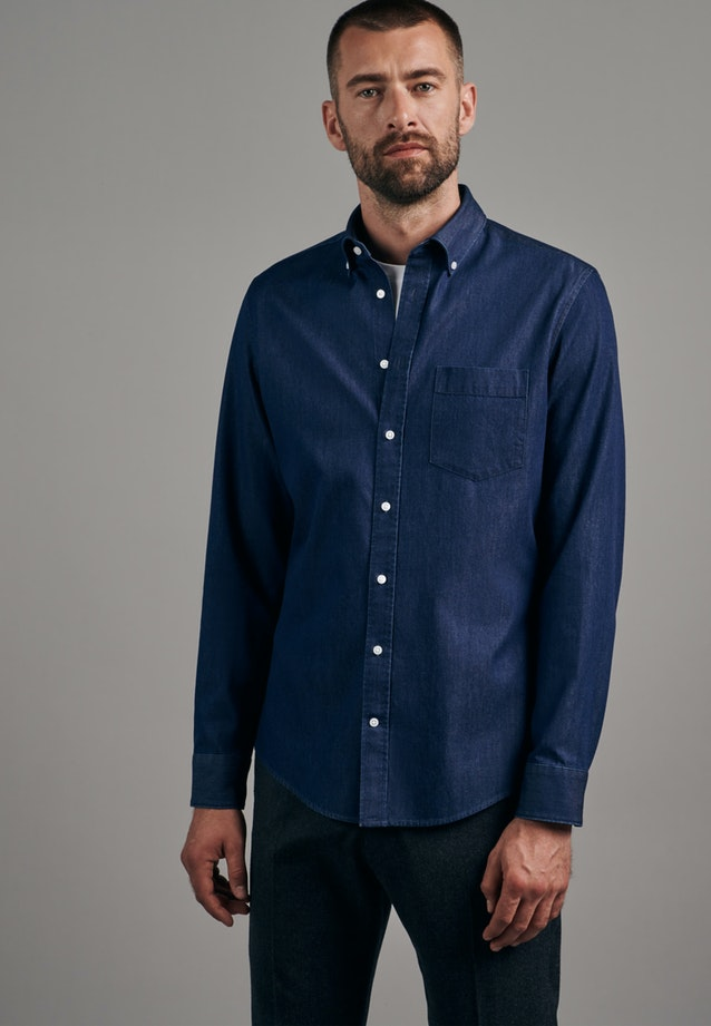 Easy-iron Denim Business Shirt in Shaped with Button-Down-Collar in Dark blue |  Seidensticker Onlineshop