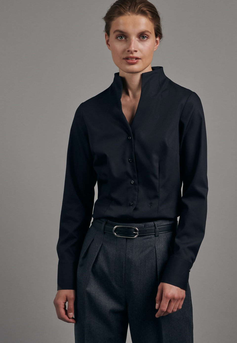 Non-iron Poplin Chalice Blouse made of 100% Cotton in Black |  Seidensticker Onlineshop