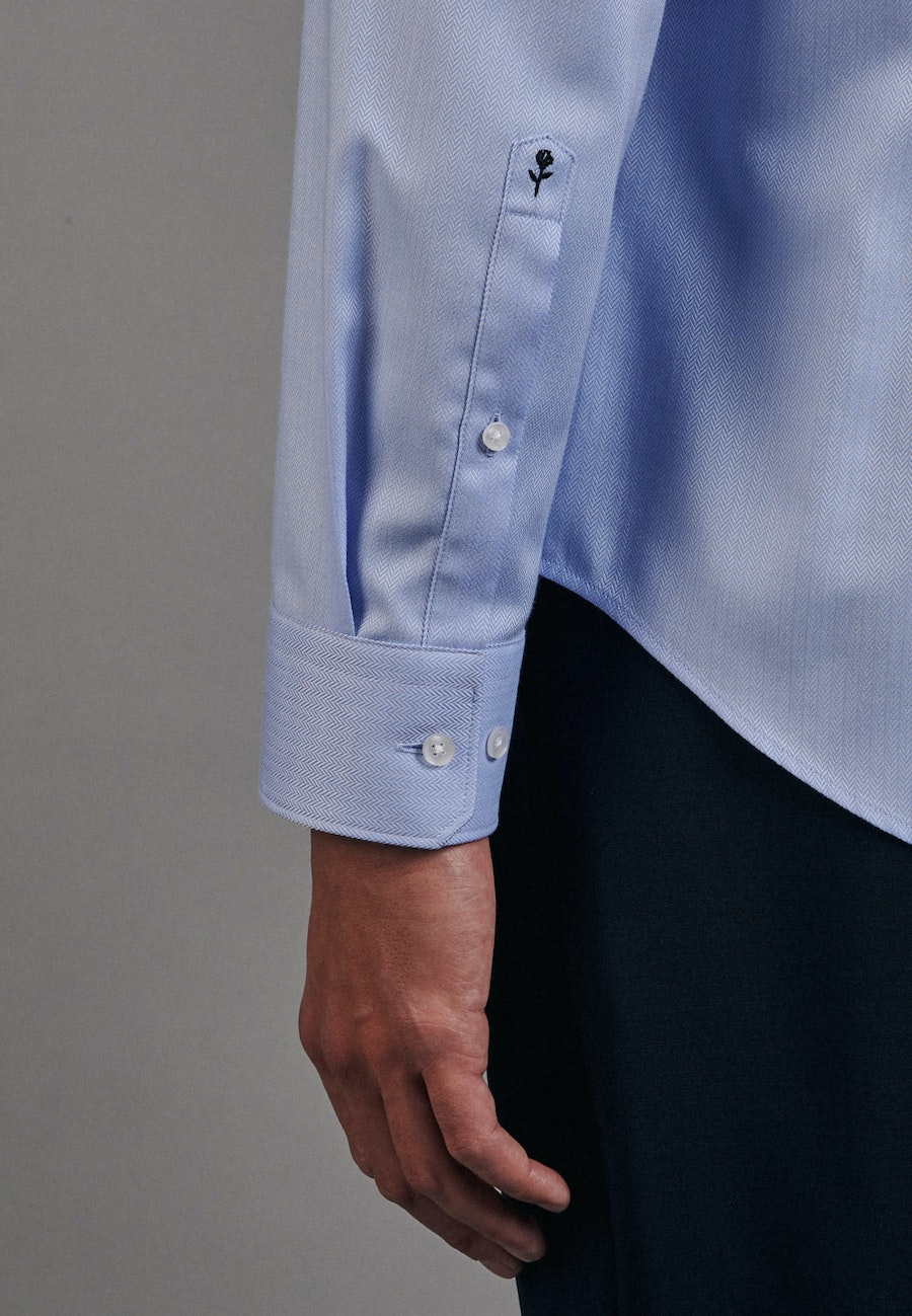 Easy-iron Fischgrat Business Shirt in Slim with Kent-Collar in Light blue |  Seidensticker Onlineshop