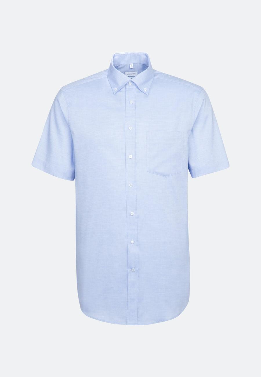 Bügelfreies Struktur Kurzarm Business Hemd in Regular mit Button-Down-Kragen in Hellblau    Seidensticker Onlineshop