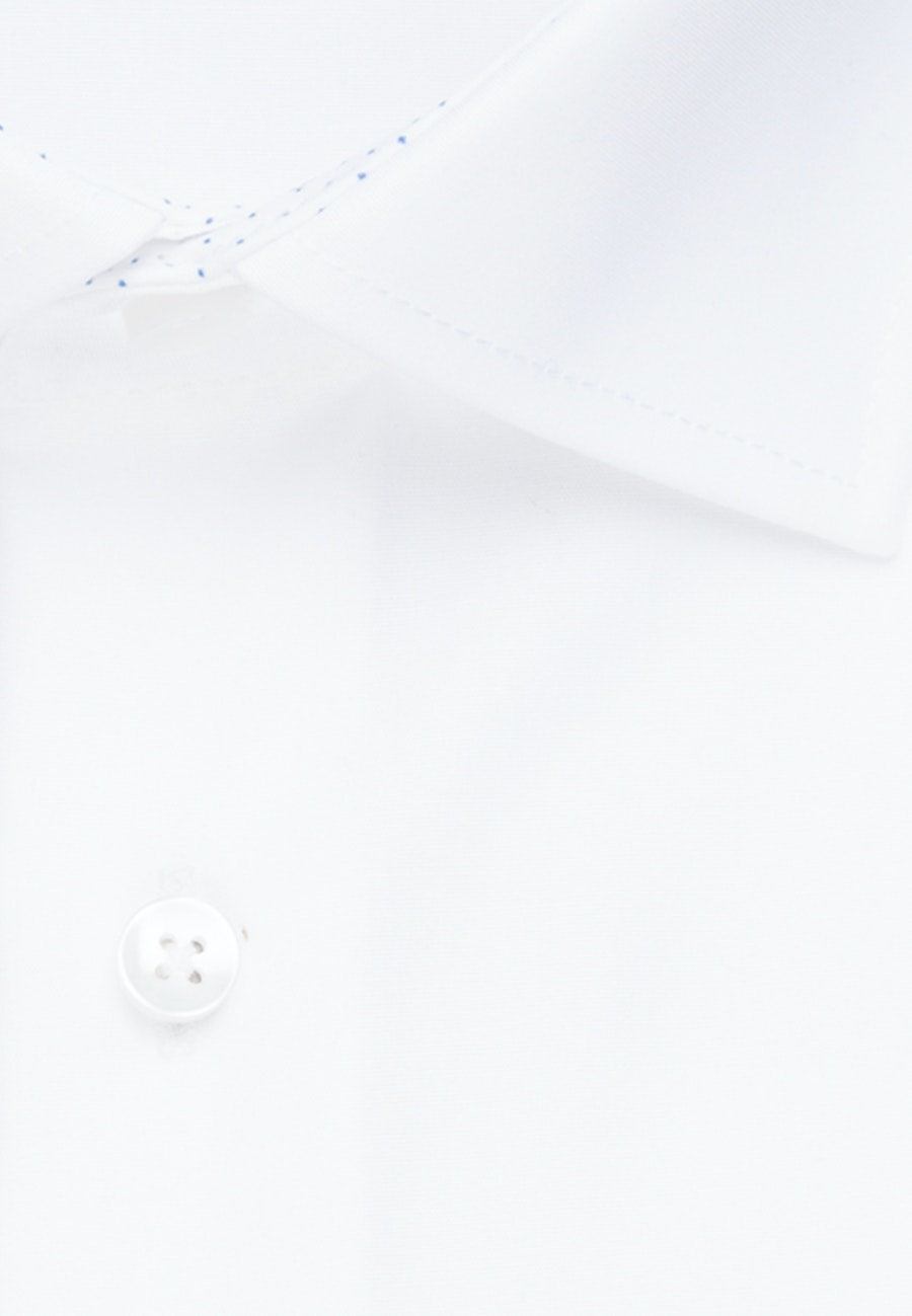 Bügelfreies Chambray Business Hemd in Slim mit Kentkragen in Weiß    Seidensticker Onlineshop