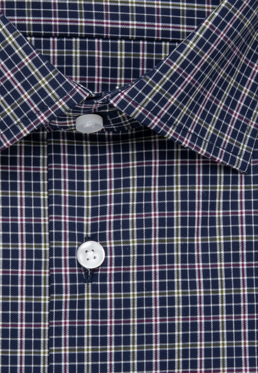 Non-iron Poplin Business Shirt in Shaped with Kent-Collar and extra long sleeve in Green |  Seidensticker Onlineshop