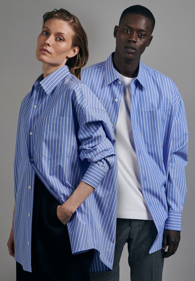 Easy-iron Poplin Gender-Shirt in Oversized fit with Kent-Collar in Light blue |  Seidensticker Onlineshop