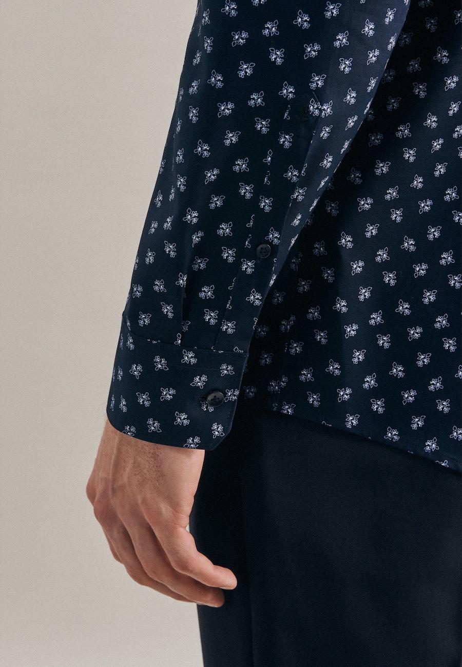 Bügelleichtes Oxford Business Hemd in Regular mit Kentkragen in Dunkelblau    Seidensticker Onlineshop