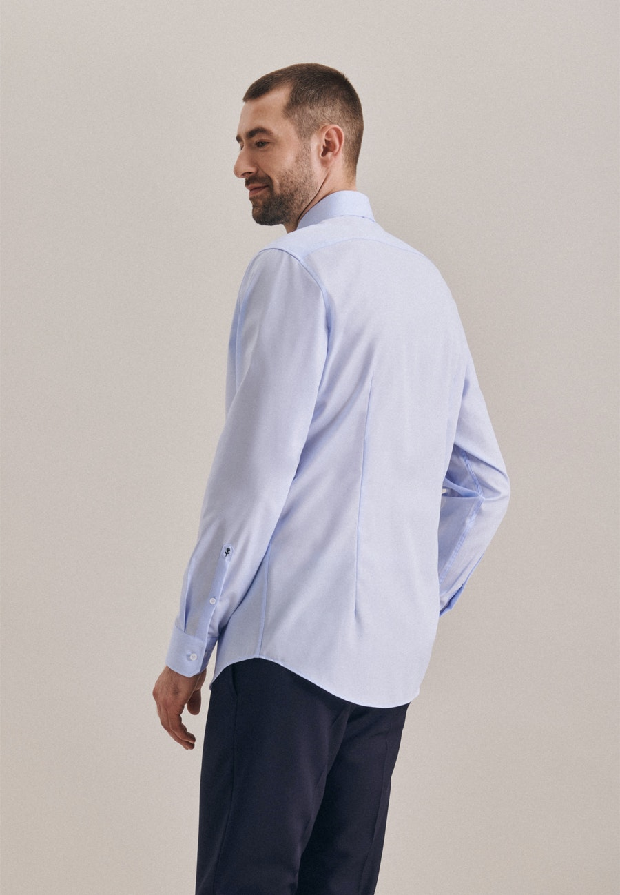 Bügelfreies Popeline Business Hemd in Slim mit Kentkragen in Mittelblau |  Seidensticker Onlineshop