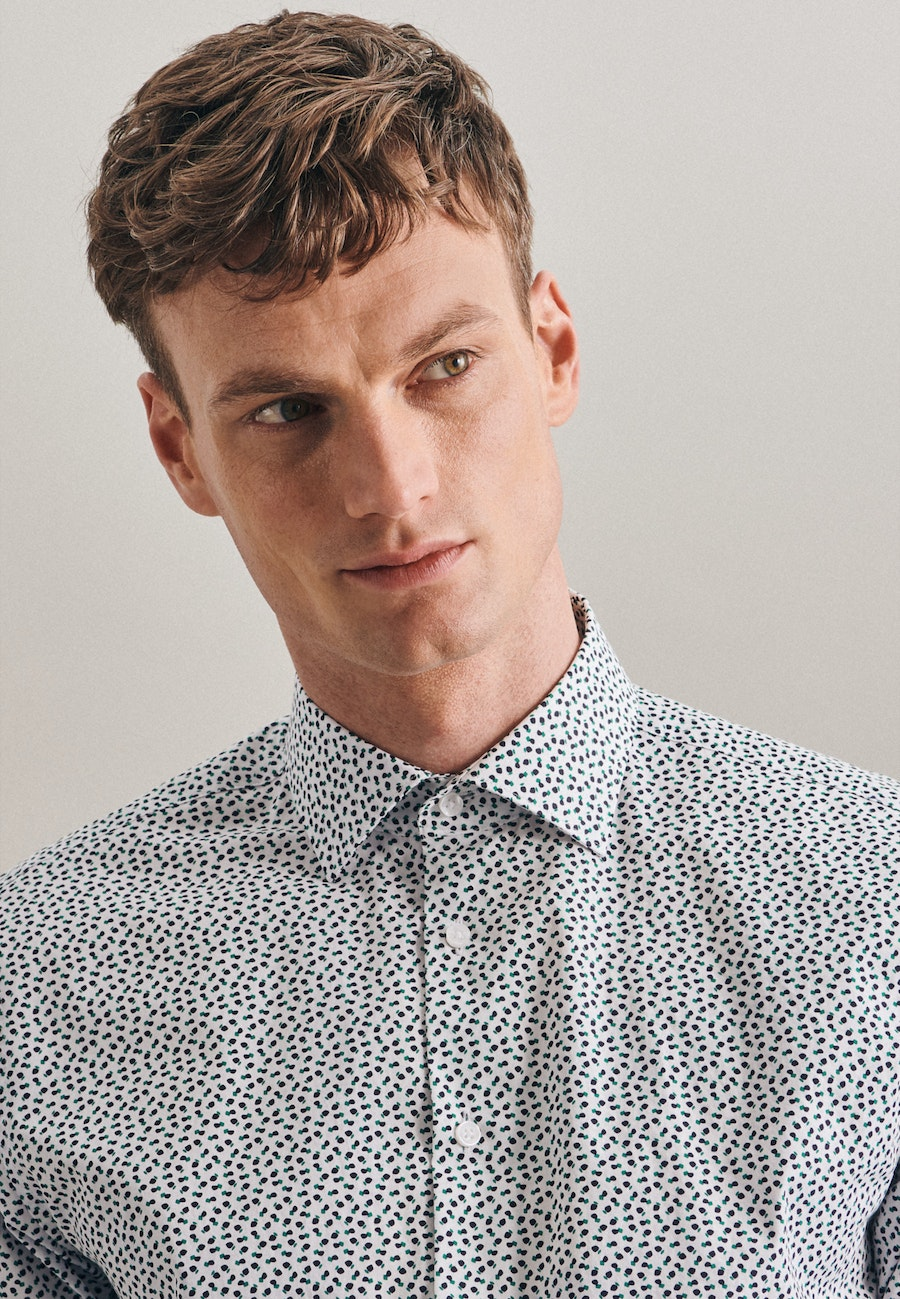 Easy-iron Popeline Business Shirt in Shaped with Kent-Collar in Green |  Seidensticker Onlineshop