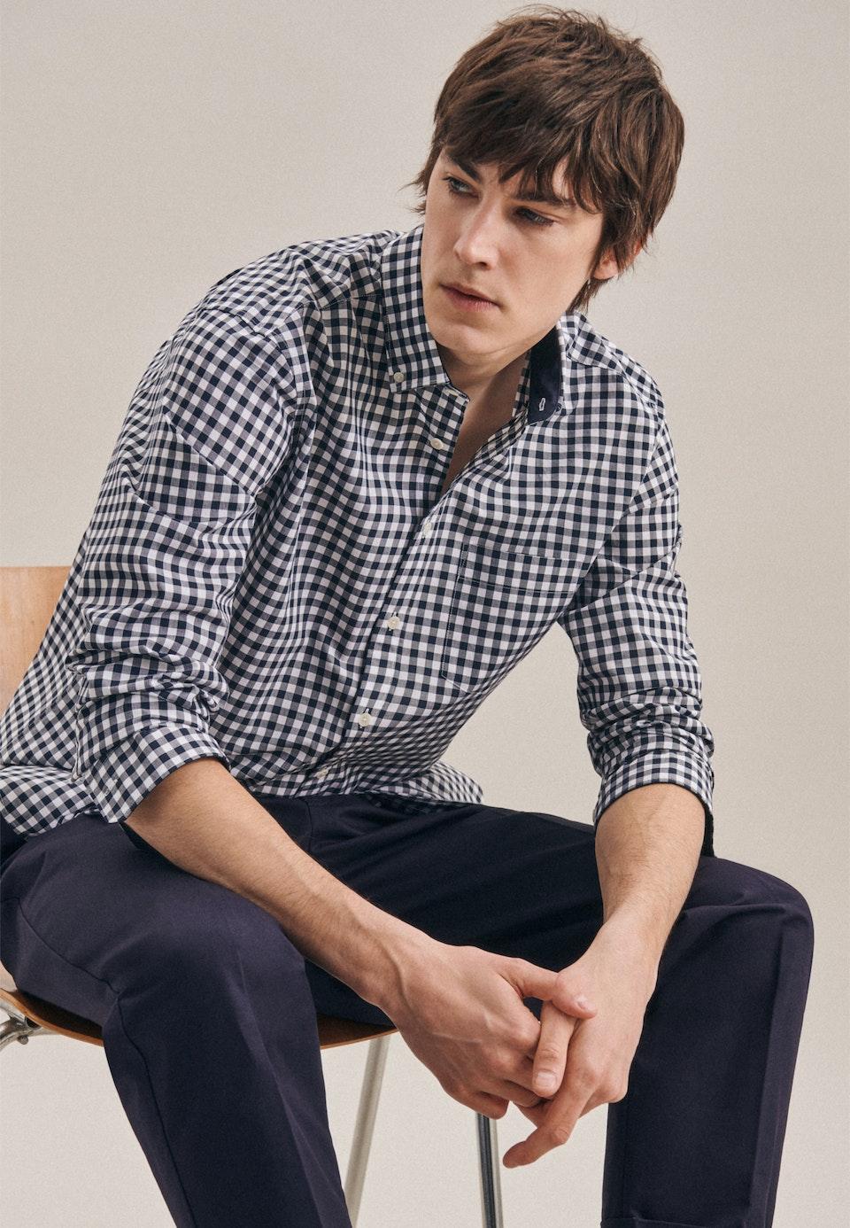 Bügelleichtes Popeline Business Hemd in Regular mit Button-Down-Kragen in Dunkelblau    Seidensticker Onlineshop