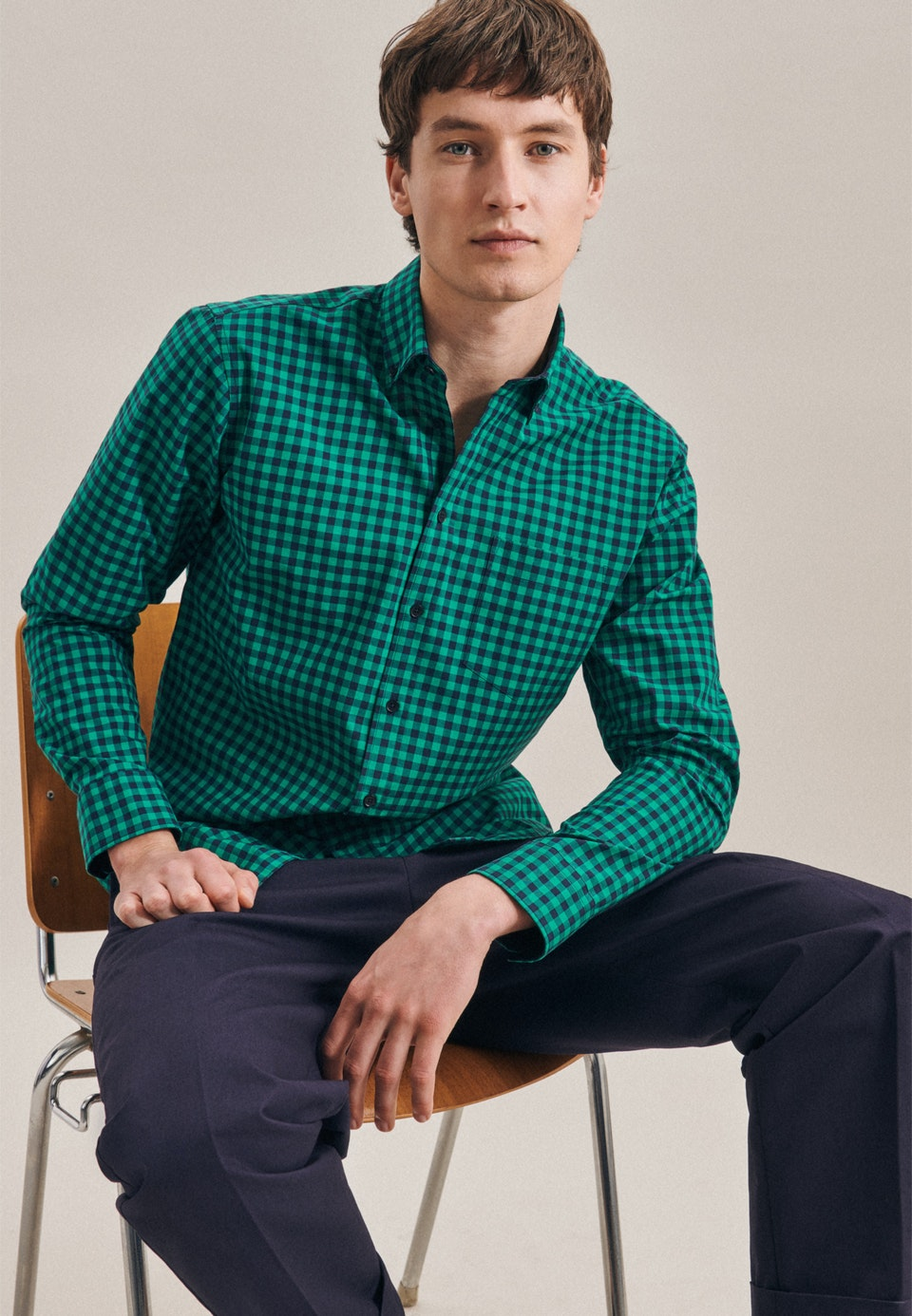 Easy-iron Popeline Business Shirt in Regular with Button-Down-Collar in Green |  Seidensticker Onlineshop