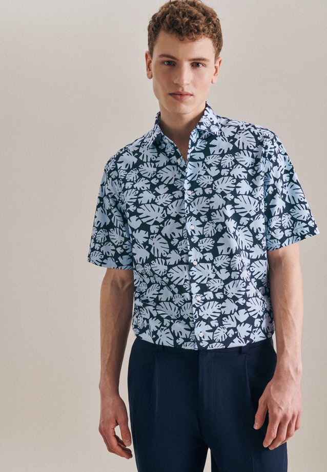 Easy-iron Poplin Short sleeve Business Shirt in Regular with Kent-Collar in Light blue |  Seidensticker Onlineshop