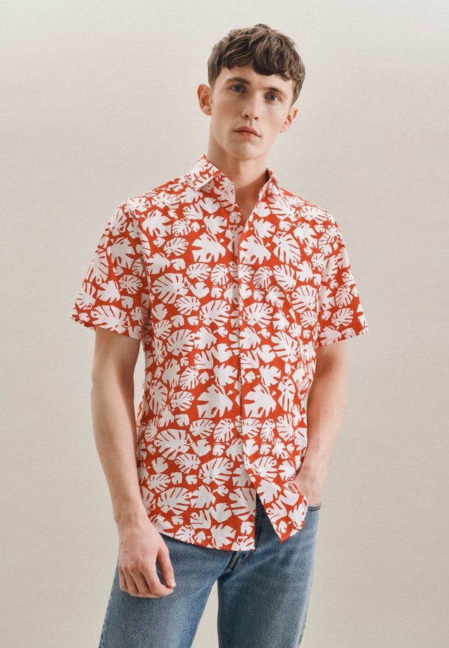 Easy-iron Popeline Short sleeve Business Shirt in Regular with Kent-Collar in Red |  Seidensticker Onlineshop