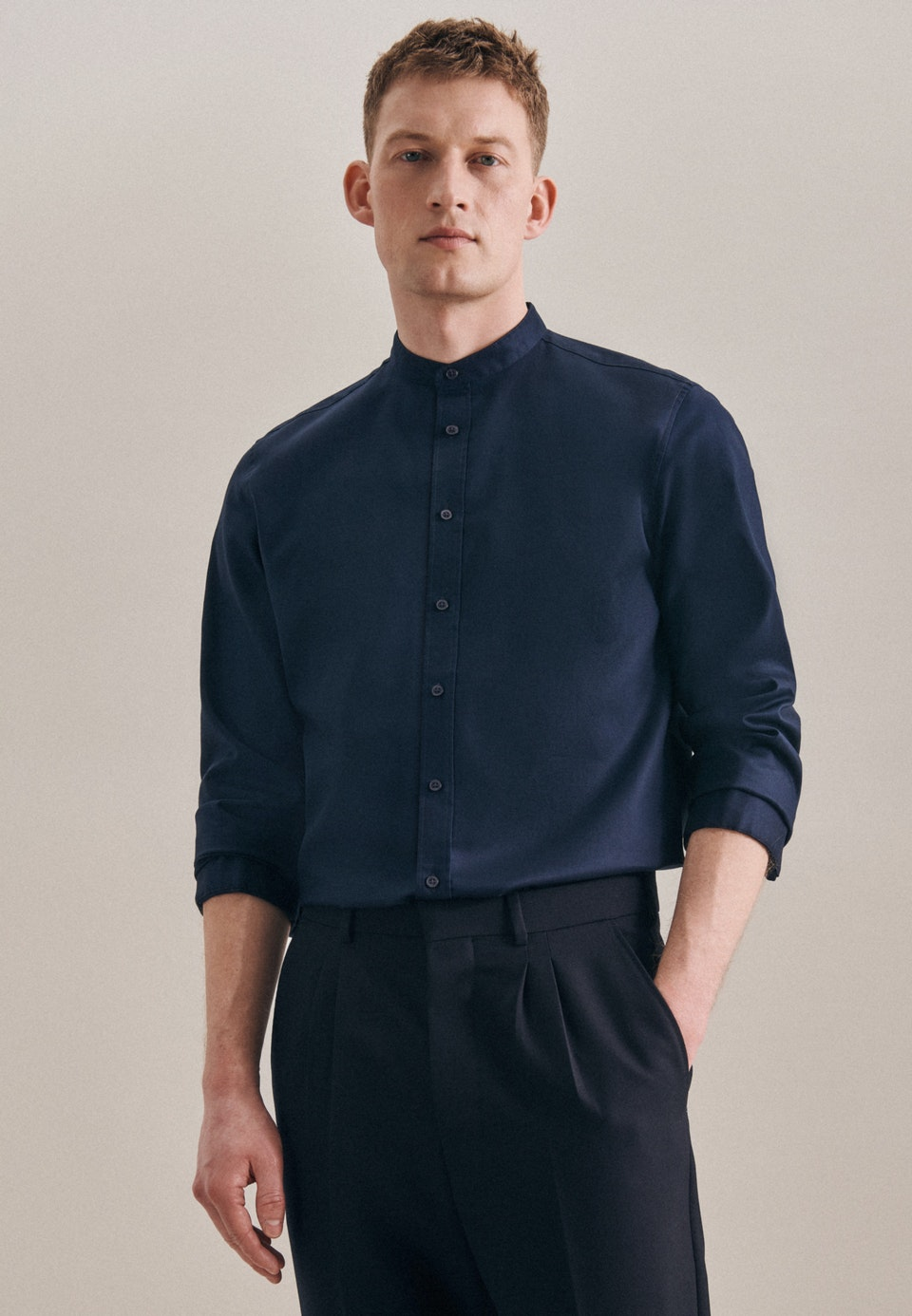 Bügelfreies Twill Business Hemd in Slim mit Stehkragen in Dunkelblau |  Seidensticker Onlineshop