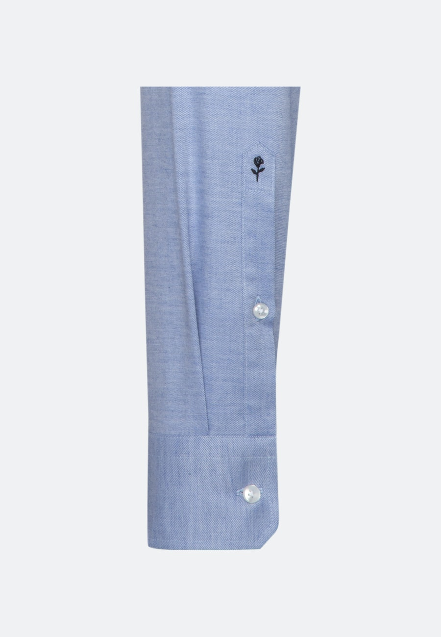 Easy-iron Twill Business Shirt in Slim with Kent-Collar and extra long sleeve in Light blue |  Seidensticker Onlineshop