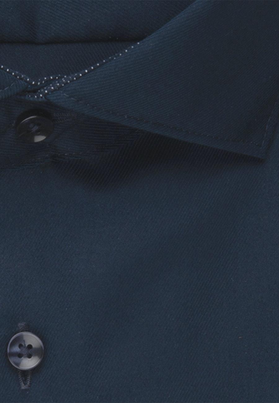 Bügelfreies Twill Business Hemd in Shaped mit Kentkragen in Dunkelblau |  Seidensticker Onlineshop