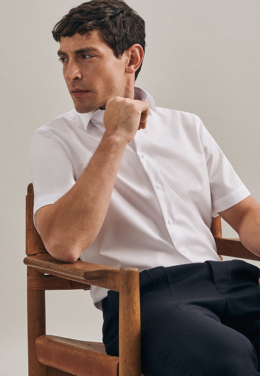 Non-iron Poplin Short sleeve Business Shirt in Shaped with Kent-Collar in White    Seidensticker Onlineshop