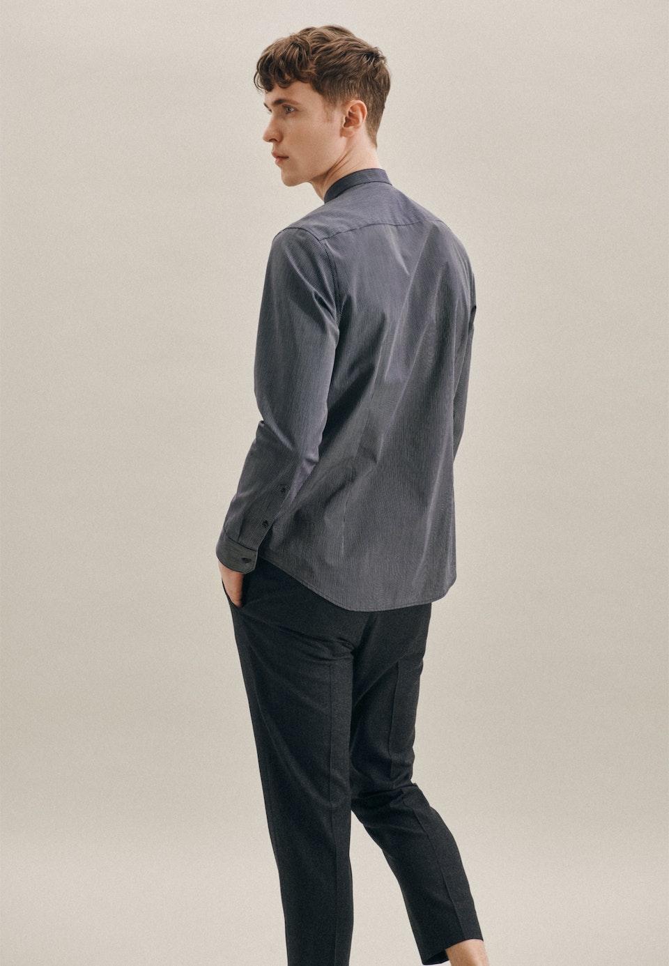 Bügelleichtes Popeline Business Hemd in Slim mit Stehkragen in Dunkelblau |  Seidensticker Onlineshop