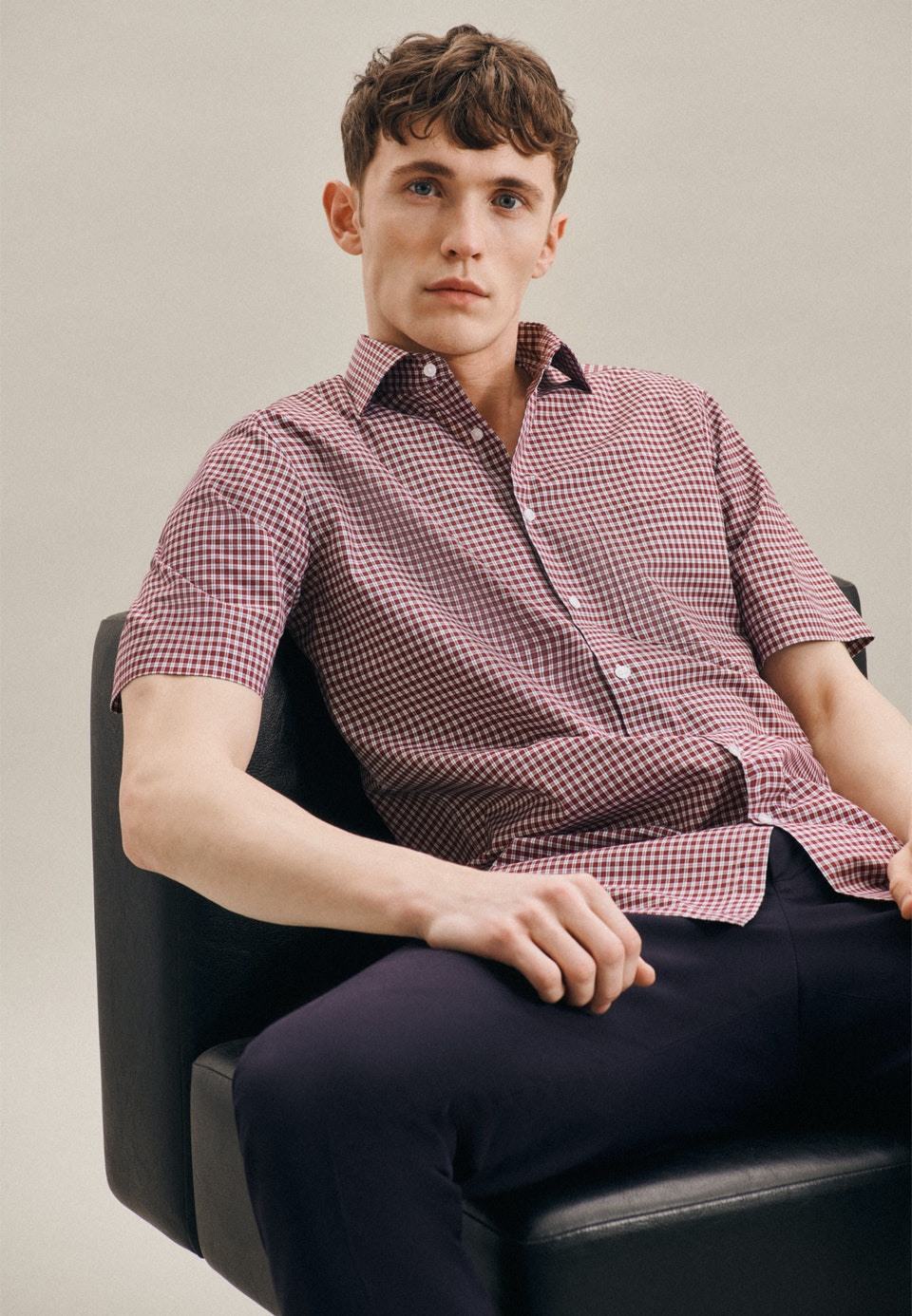 Non-iron Popeline Short sleeve Business Shirt in Regular with Kent-Collar in Red |  Seidensticker Onlineshop