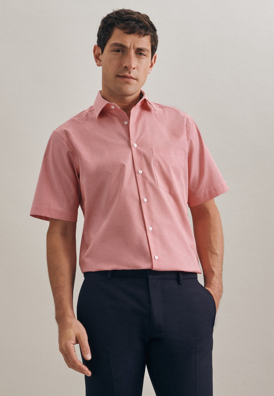 Bügelfreies Popeline Kurzarm Business Hemd in Regular mit Kentkragen in Rot    Seidensticker Onlineshop