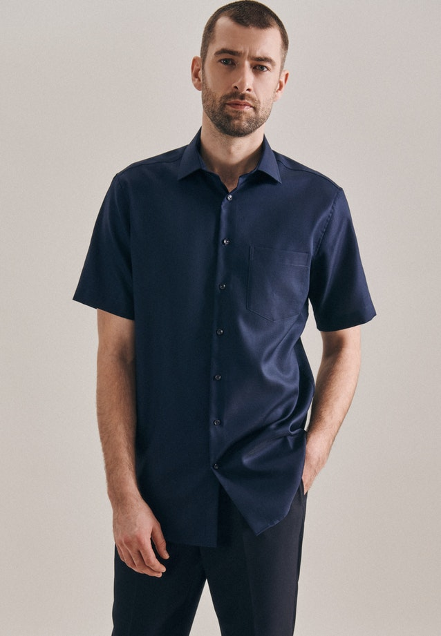 Non-iron Struktur Short sleeve Business Shirt in Regular with Kent-Collar in Dark blue |  Seidensticker Onlineshop