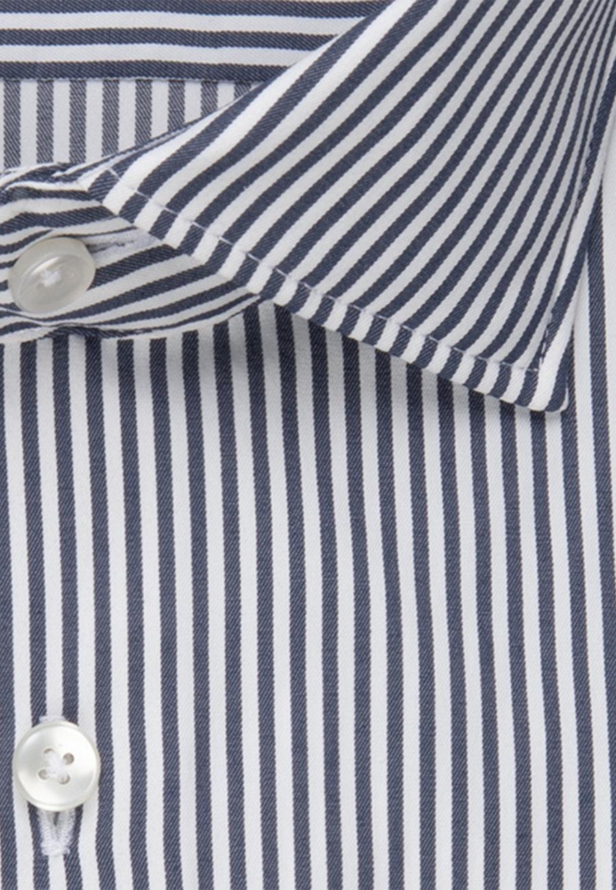 Bügelleichtes Performancehemd in Slim mit Kentkragen in Dunkelblau |  Seidensticker Onlineshop