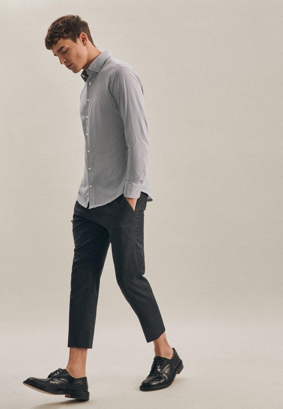 Bügelleichtes Twill Business Hemd in Slim mit Kentkragen in Dunkelblau |  Seidensticker Onlineshop