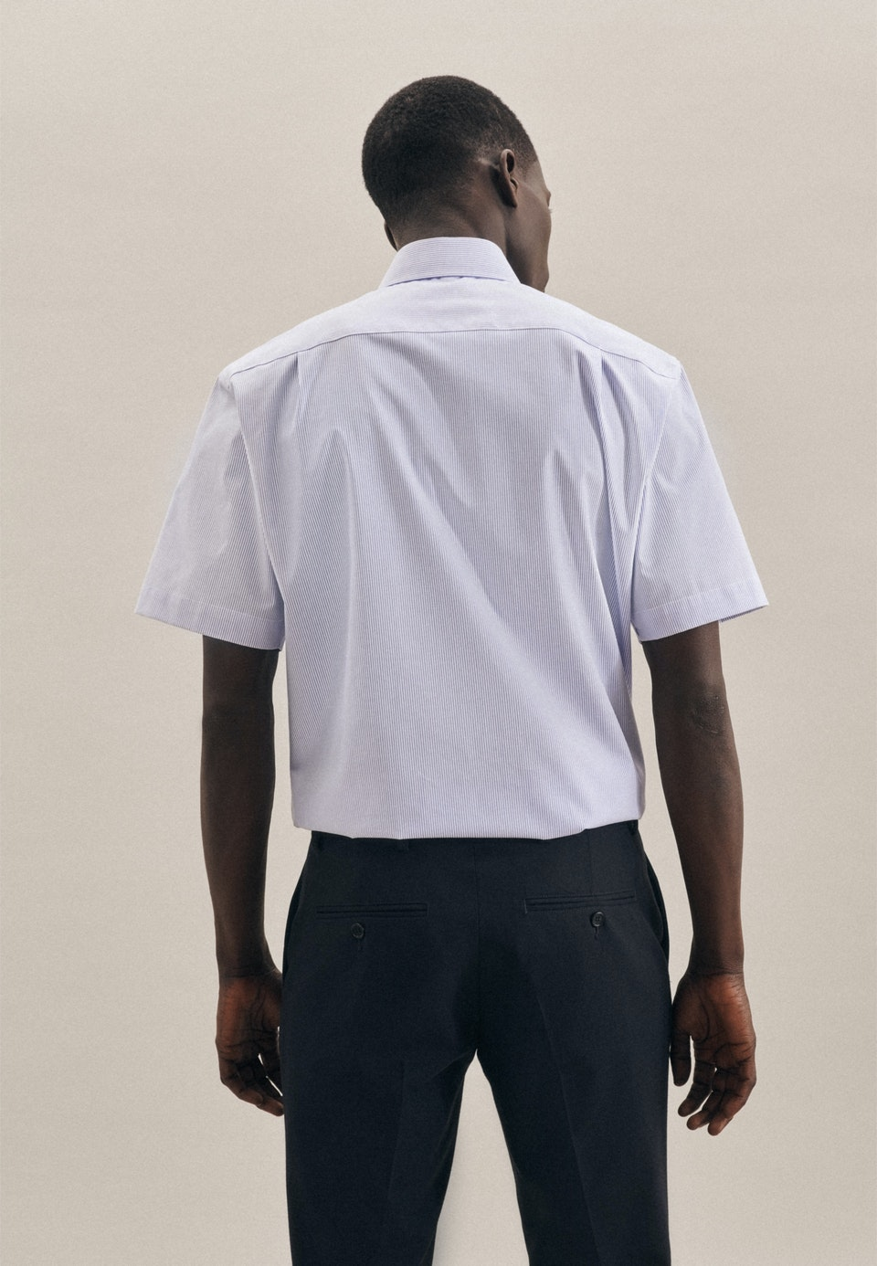 Bügelfreies Popeline Kurzarm Business Hemd in Regular mit Kentkragen in Hellblau |  Seidensticker Onlineshop