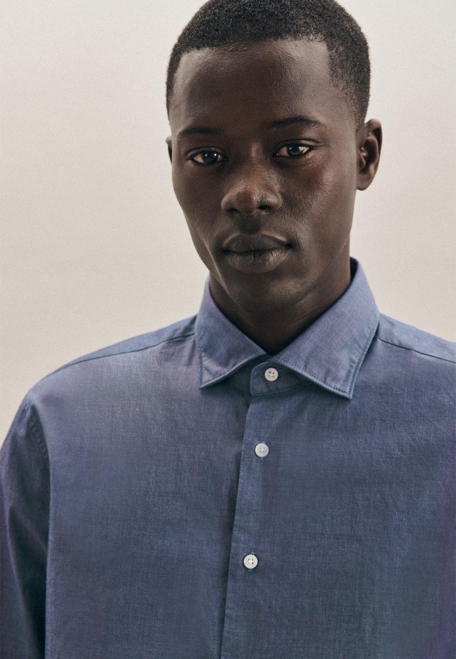 Bügelleichtes Chambray Business Hemd in Regular mit Kentkragen in Mittelblau |  Seidensticker Onlineshop