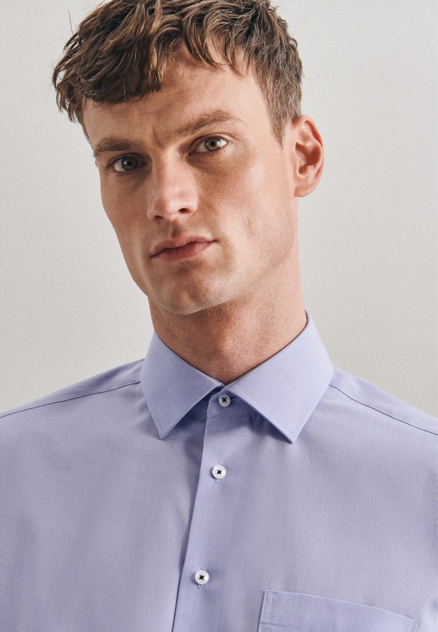 Non-iron Struktur Business Shirt in Regular with Kent-Collar and extra long sleeve in Light blue |  Seidensticker Onlineshop