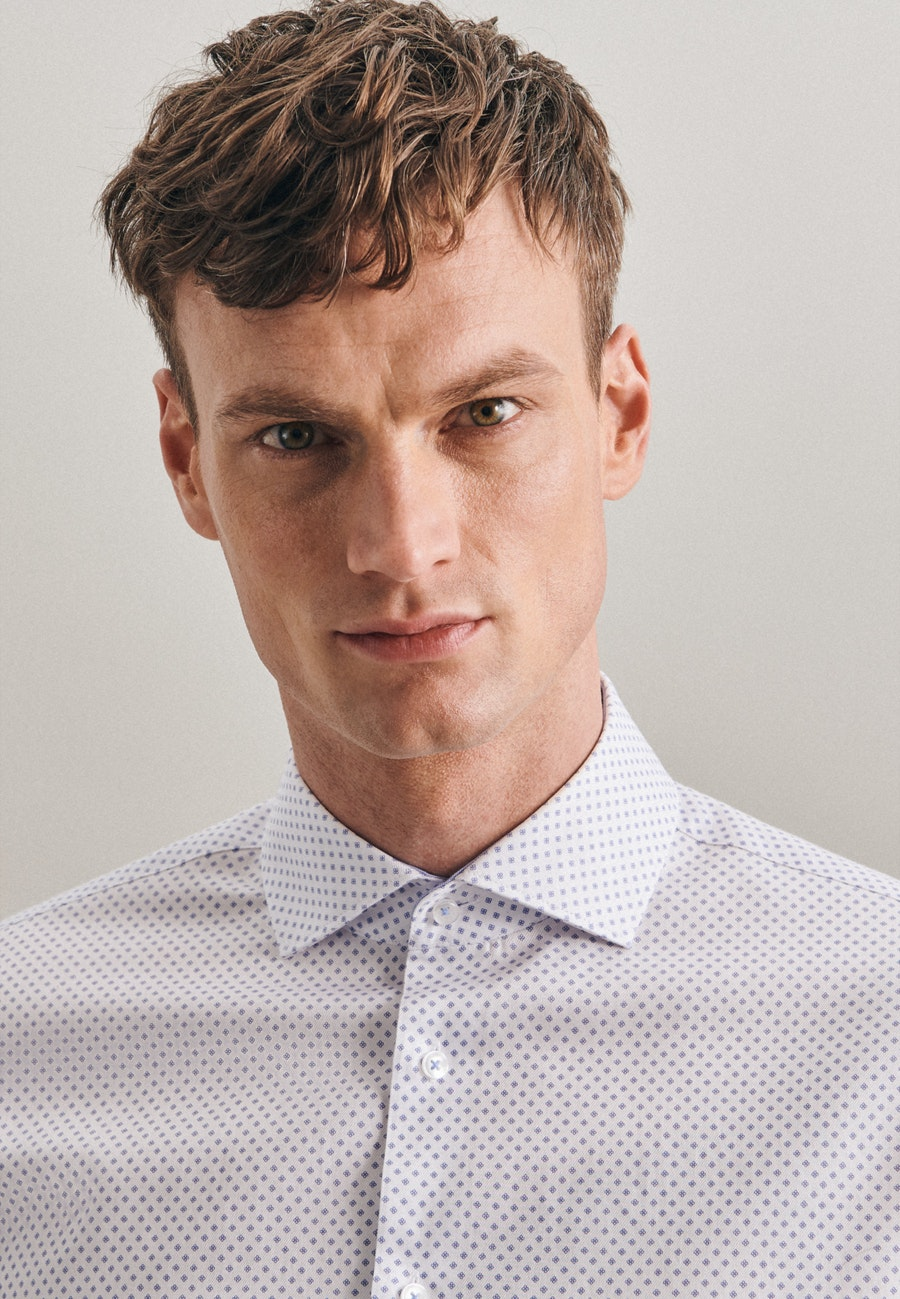 Bügelleichtes Twill Business Hemd in Shaped mit Kentkragen und extra langem Arm in Weiß |  Seidensticker Onlineshop