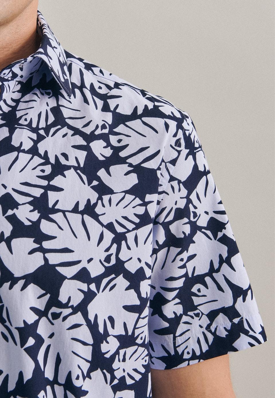 Bügelleichtes Popeline Kurzarm Business Hemd in Shaped mit Kentkragen in Hellblau    Seidensticker Onlineshop