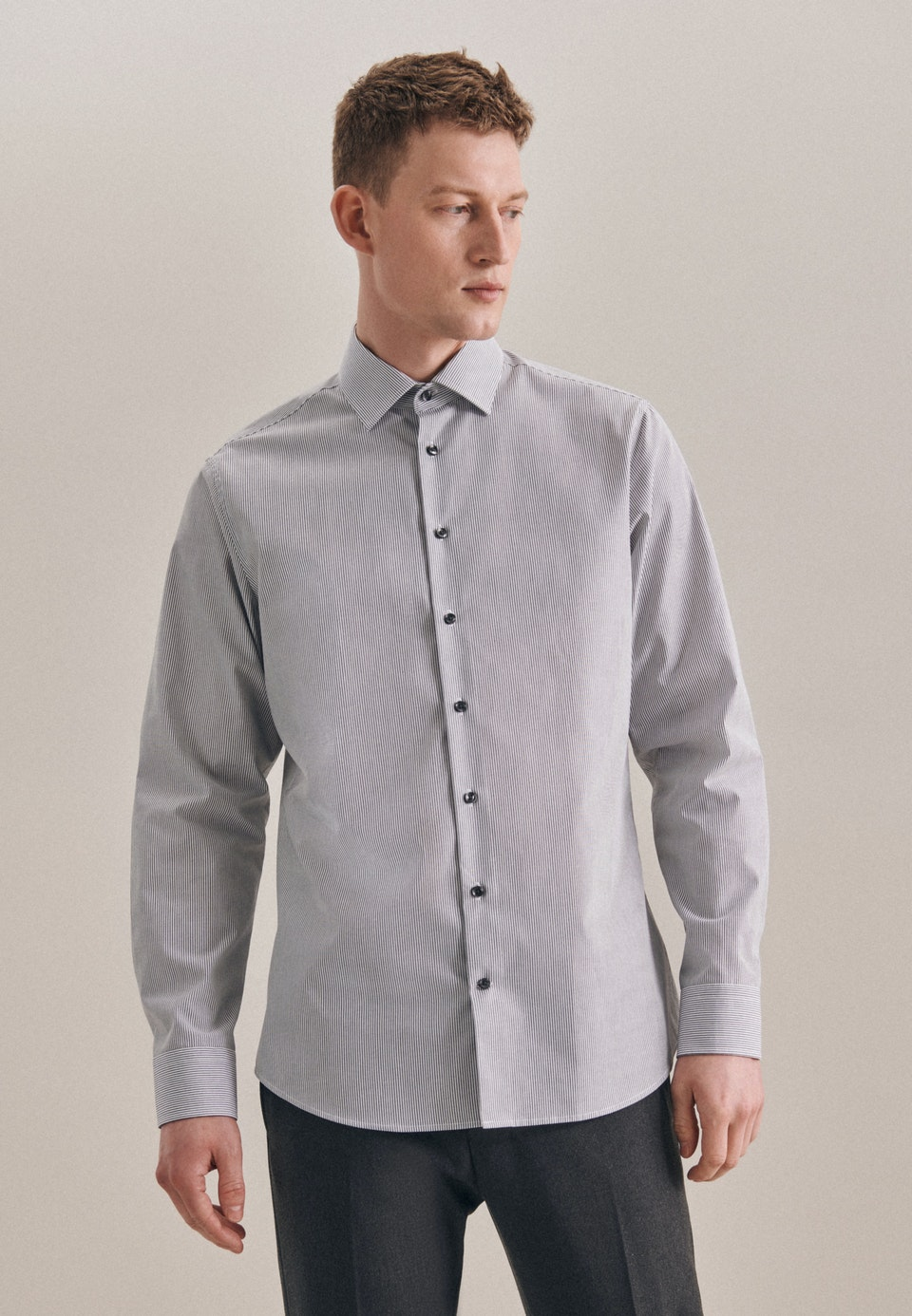 Non-iron Poplin Business Shirt in Shaped with Kent-Collar in Grey    Seidensticker Onlineshop