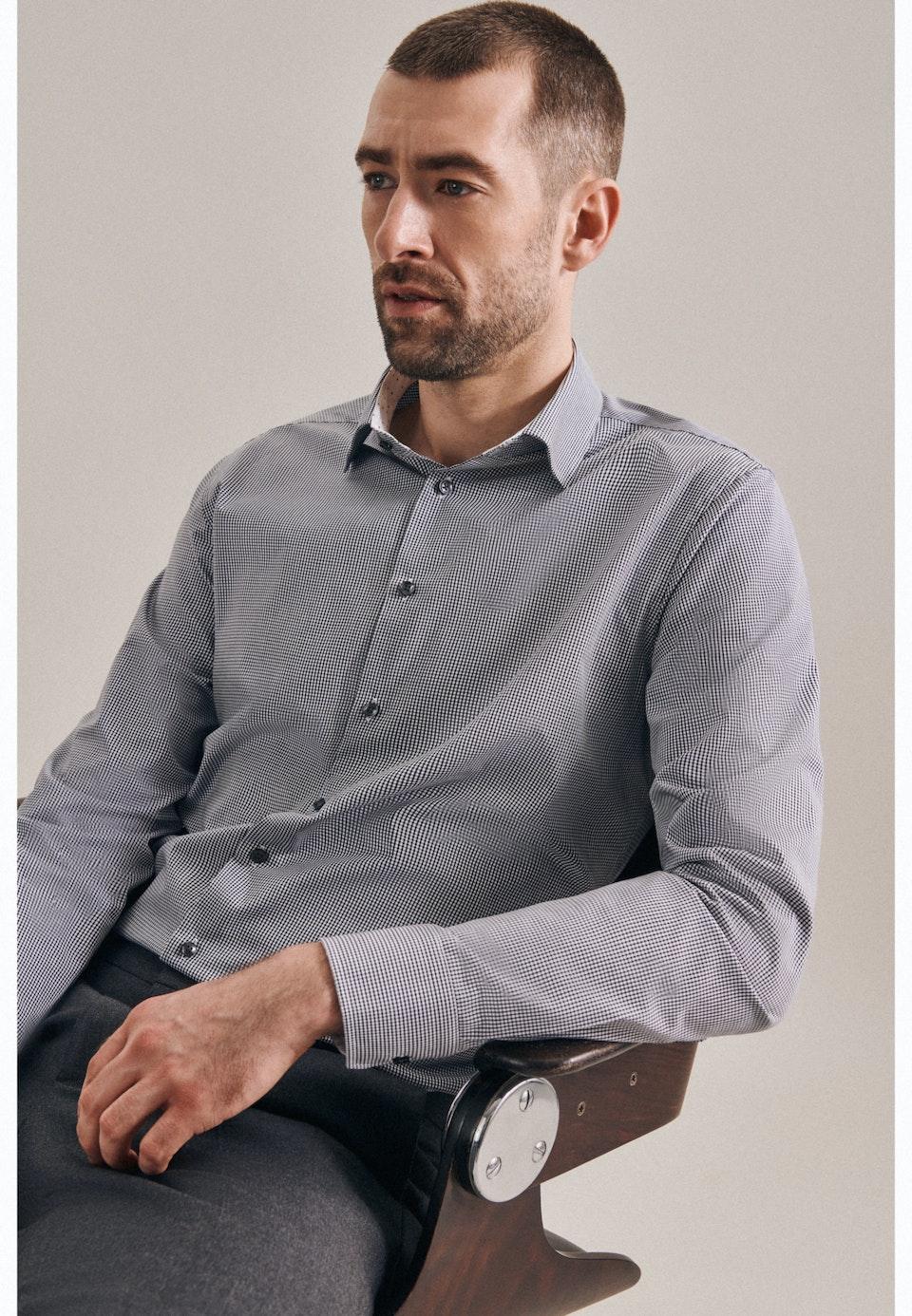 Bügelfreies Popeline Business Hemd in Shaped mit Kentkragen in Grau    Seidensticker Onlineshop