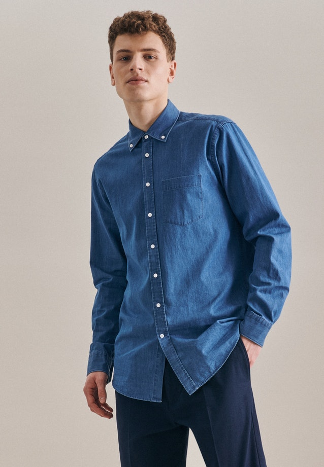 Denimhemd in Regular mit Button-Down-Kragen in Mittelblau    Seidensticker Onlineshop