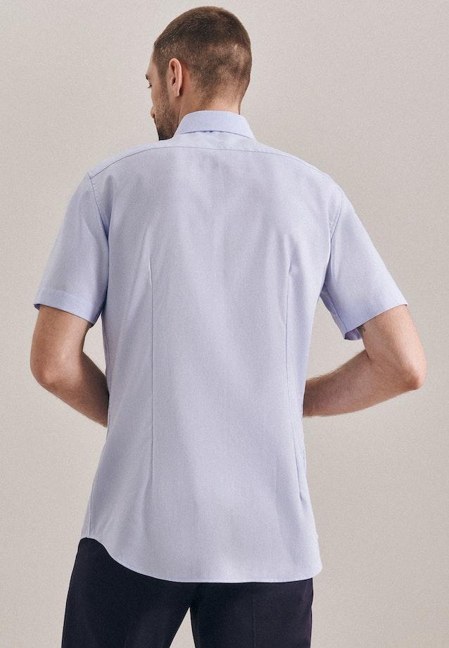 Non-iron Struktur Short sleeve Business Shirt in Shaped with Kent-Collar in Light blue |  Seidensticker Onlineshop