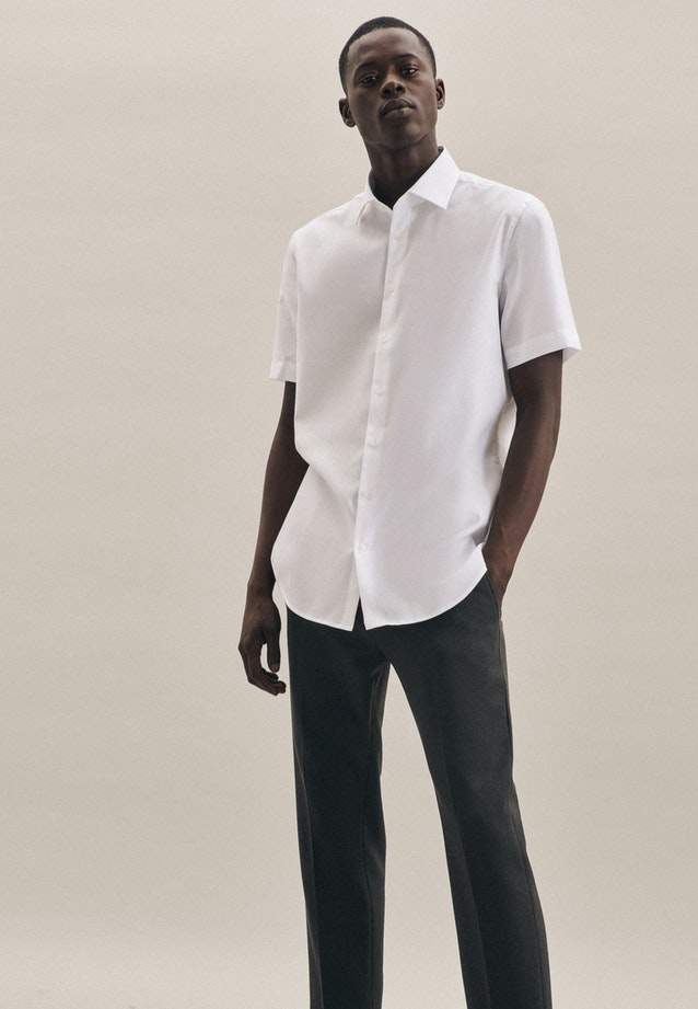 Non-iron Struktur Short sleeve Business Shirt in Shaped with Kent-Collar in White |  Seidensticker Onlineshop