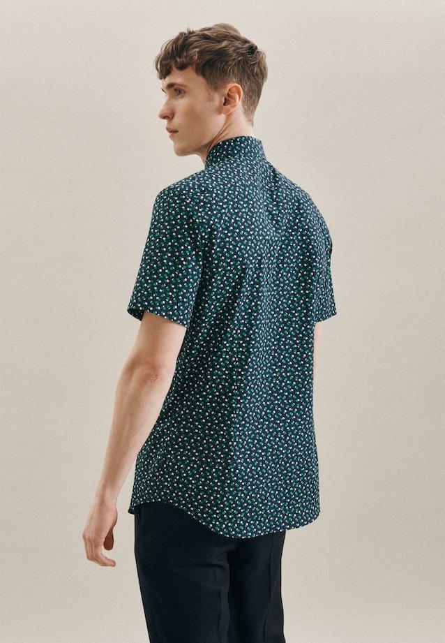 Bügelleichtes Popeline Kurzarm Business Hemd in Shaped mit Kentkragen in Grün    Seidensticker Onlineshop