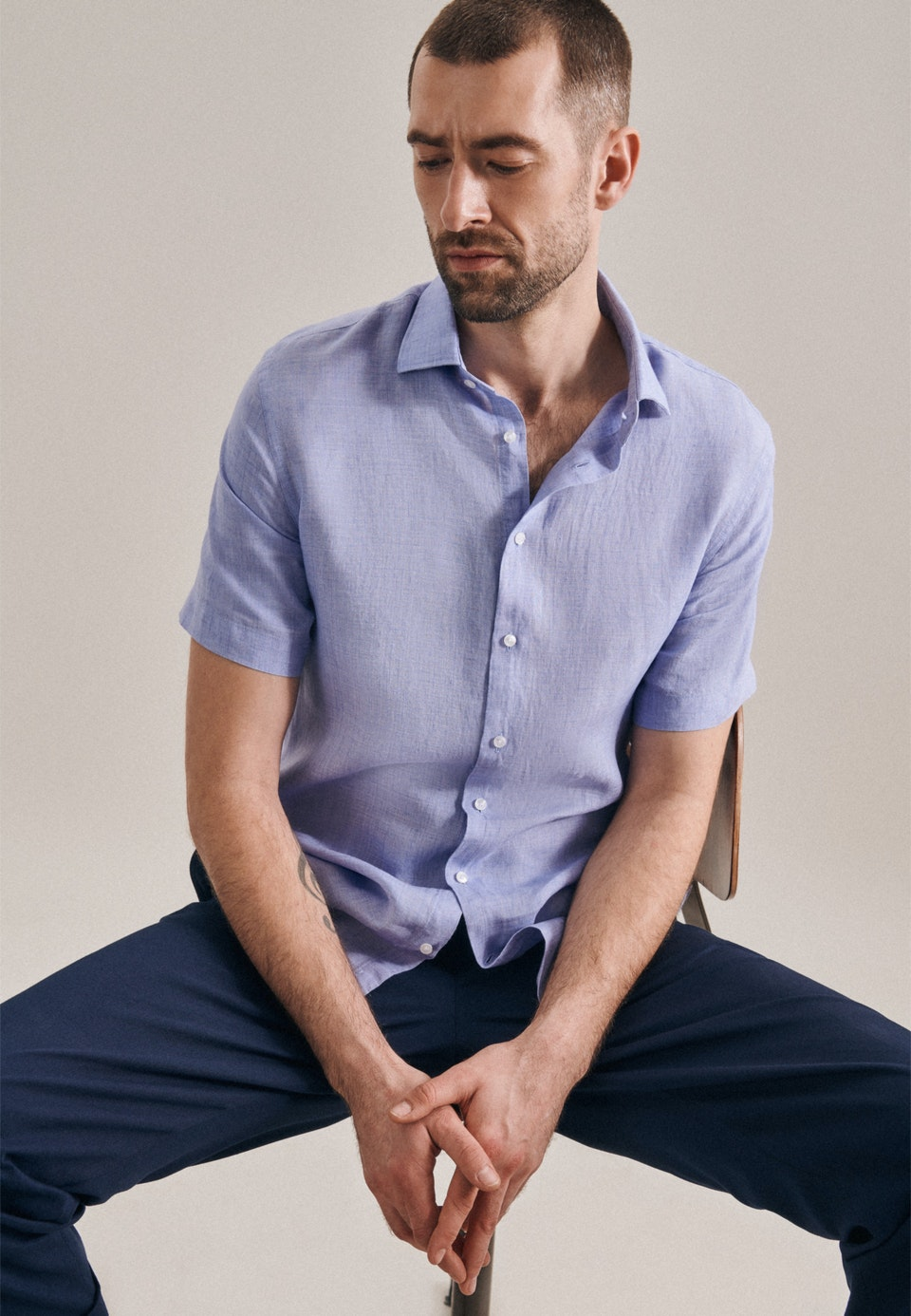Easy-iron Linen Short sleeve Business Shirt in Slim with Kent-Collar in Light blue |  Seidensticker Onlineshop